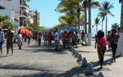 Más de 50 mil turistas llegaron a PV durante el fin de semana largo