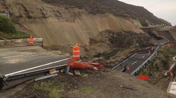 La carretera quedó clausurada desde la 5:00 horas, de este sábado y se estima quede cerrada durante un año. (Foto: Uniradio Informa).