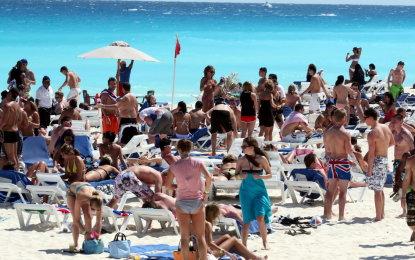 Aumentan 8.6% divisas por turismo