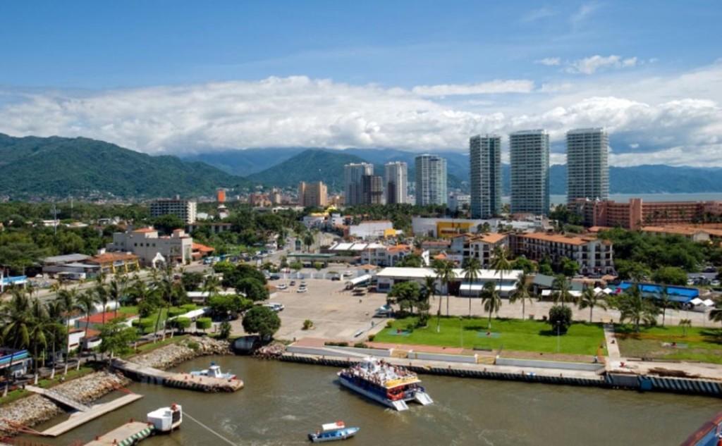 A unas semanas de finalizar el 2013, los hoteles de cinco estrellas y Gran Turismo de Puerto Vallarta, reportan hasta ahora un 80 y hasta 90% de ocupación.