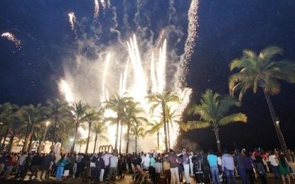 Recibe Vallarta el 2014 con espectáculo de música y pirotecnia