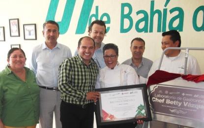 UTBB rinde homenaje a la chef nayarita Betty Vázquez