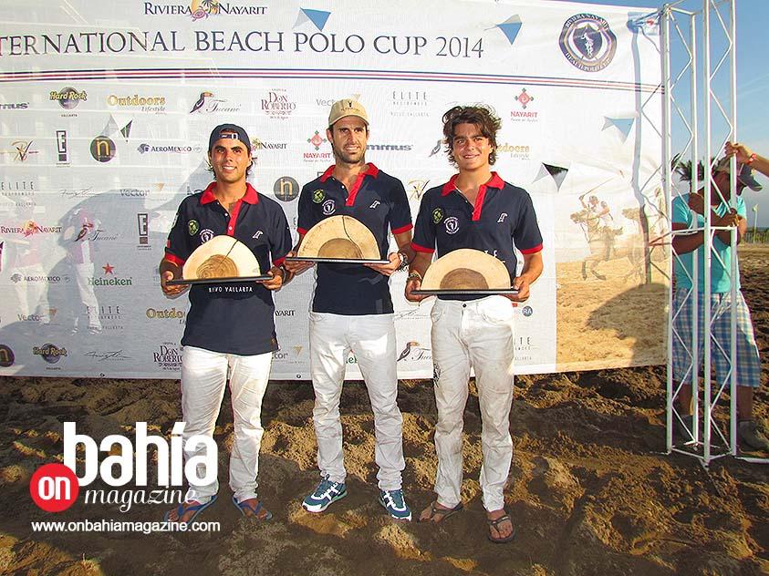 El equipo subcampeón, Elite Residences, integrado por Rodolfo Ramos, Ignacio Cubero y Guillermo Pereyra. (Foto: Rodolfo Preciado).
