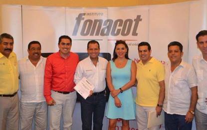 Entrega Fonacot 100 reconocimientos a Centros de Trabajo de PV y Bahía