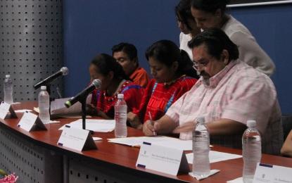 Indígenas triquis podrán cursar licenciaturas en CUCosta