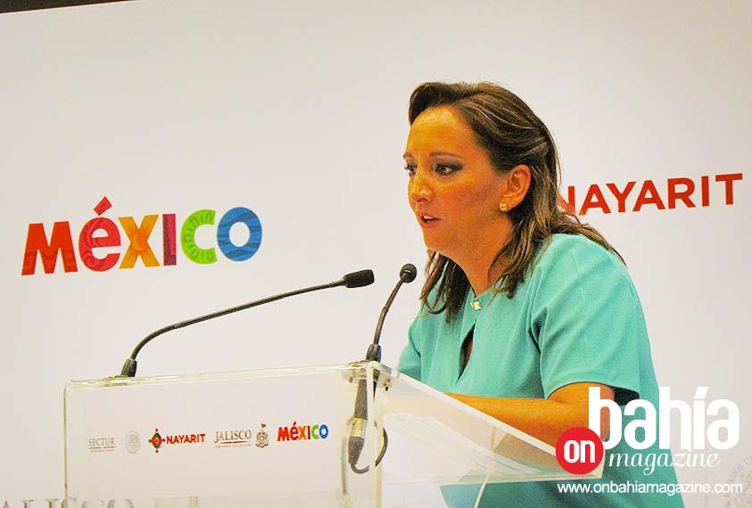 Bahia-Magazine_Claudia-Ruiz-Massieu