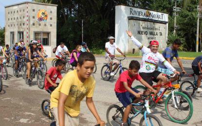 Participan 600 en exitoso paseo ciclista de Siempre con la Gente A.C.