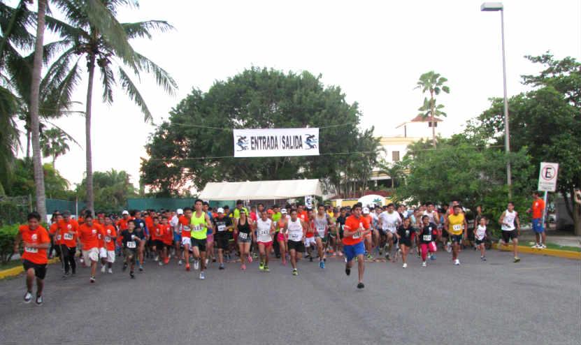 Ganan Carlos González y Leticia Joya la carrera 5K de Grupo Diestra