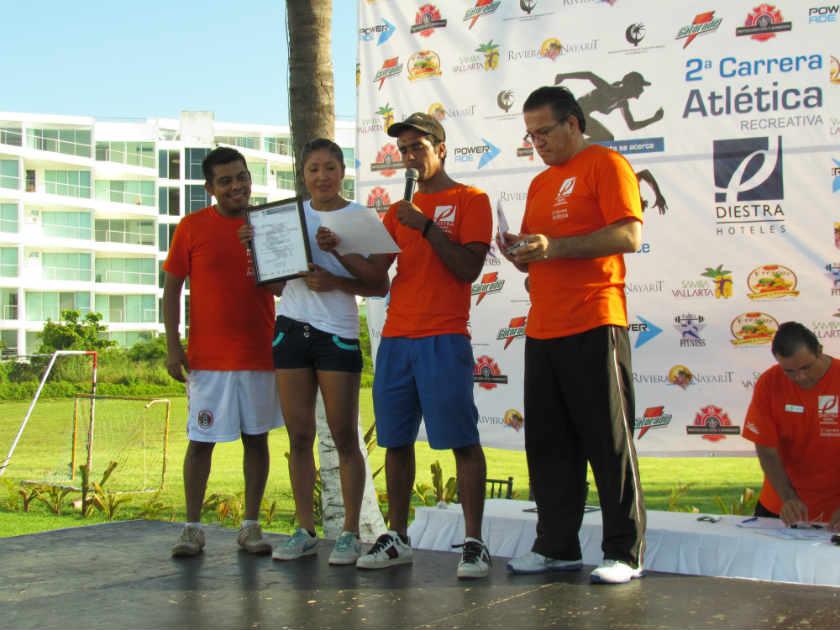 En la categoría Femenil Abierto la medalla de primer lugar se la llevó Ema Leticia Joya Estrada, con un tiempo de 18:34.