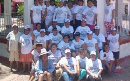 Se unen más grupos a la limpieza de playas de Riviera Nayarit