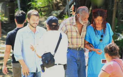 Diego Luna y Danny Glover filman película en Puerto Vallarta