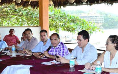 Evalúan avances para transformar a Sayulita en Pueblo Mágico