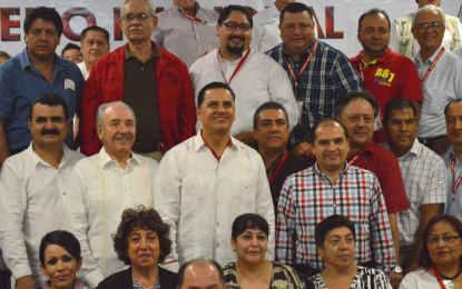 Participa alcalde de BB en pleno nacional del STIRT en Nuevo Vallarta