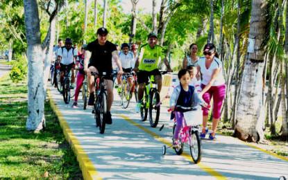 Turistas y locales disfrutan ciclovía en Nuevo Vallarta