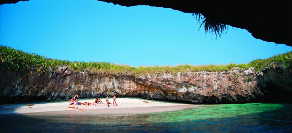 """Dejan """"descansar"""" a las Islas Marietas dos días a la semana"""