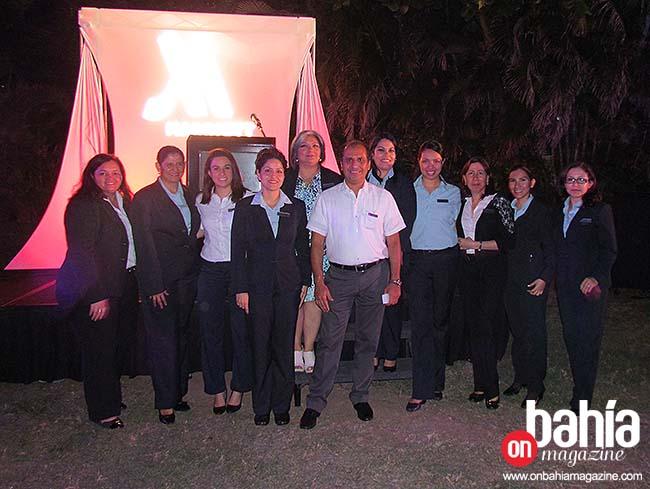 David Gauna con su equipo de trabajo. (Foto: Rodolfo Preciado).