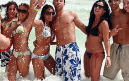 """Disfrutan """"springbreakers"""" un Puerto Vallarta seguro"""