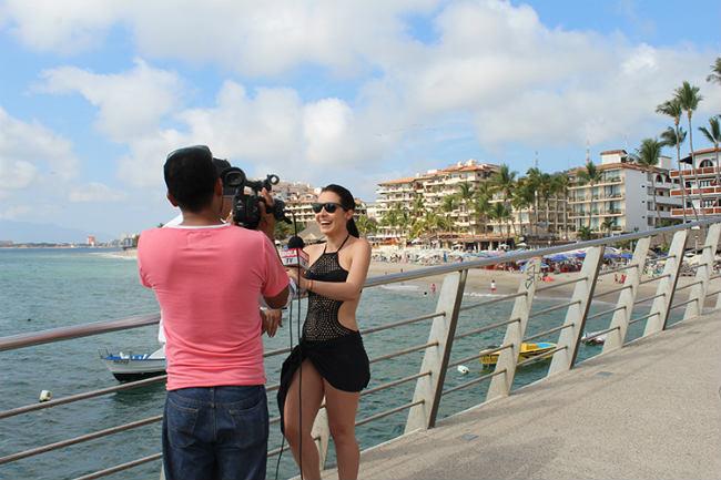 La actriz también fue entrevistada en el muelle de Los Muertos como parte de la sesión para una reconocida revista internacional.