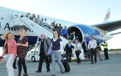 Vuelan 8% más turistas extranjeros hacia México