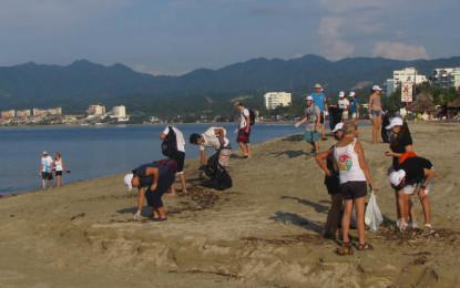 Residentes norteamericanos fortalecen Red de Limpieza de Playas