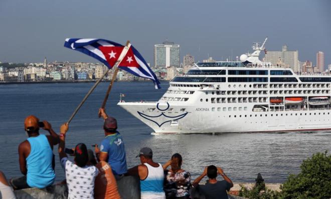 Llega a Cuba el primer crucero de EU en casi 40 años