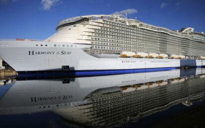 Zarpa de Francia el barco-crucero más grande del mundo