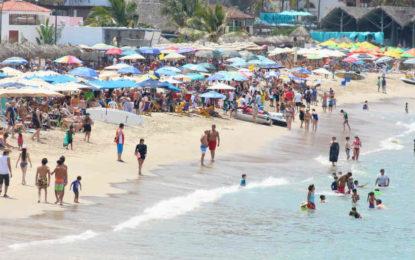 Estiman derrama económica de 347, 895 mdp por vacaciones de verano