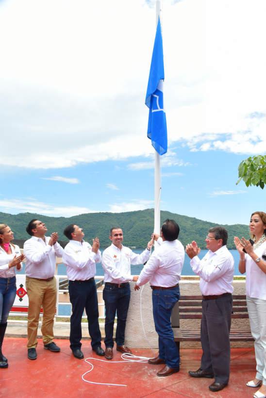 blue-flag-samao-nayarit