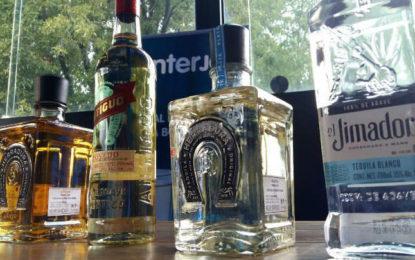 Interjet y Herradura en el Festival del Tequila a bordo