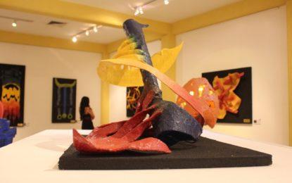 Inauguran exposición plástica de Horacio Cárdenas en Museo Peter Gray