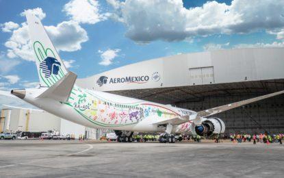"""Inauguran vuelo de Aeroméxico a Londres con el Boeing """"Quetzalcóatl"""""""