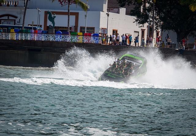 tsunami-jetboat-vallarta