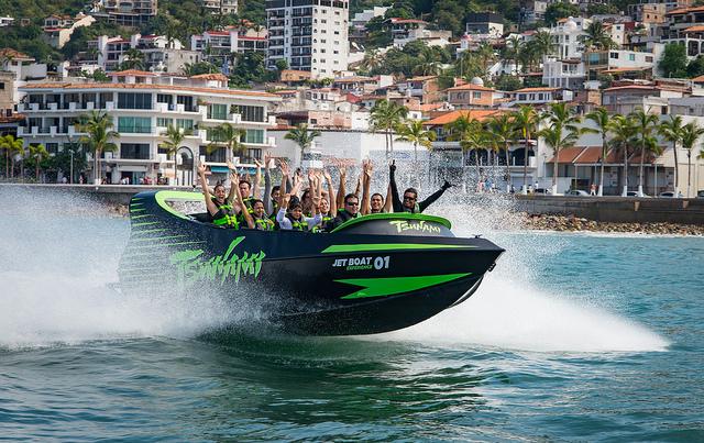 tsunami-jetboat-vallarta2