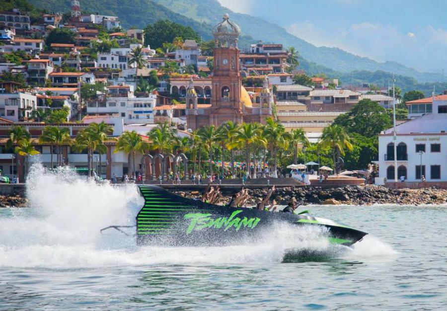 Vive en Puerto Vallarta la adrenalina del Tsunami Jet Boat