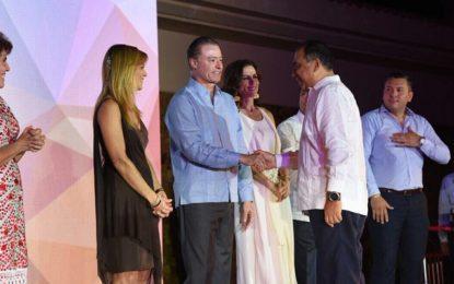 Acapulco entrega estafeta de Tianguis Turístico a Mazatlán