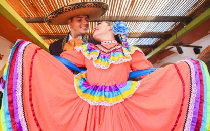 Más de 700 bailarines en el Festival Vallarta Azteca de Folclor Internacional