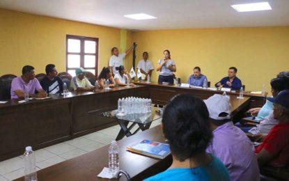 Respuesta oportuna a necesidades comunes, ofrece Jaime Cuevas a las Autoridades Auxiliares