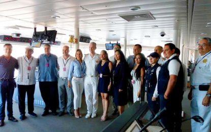 Puerto Vallarta recibió al crucero Norwegian Bliss, uno de los más grandes en la actualidad