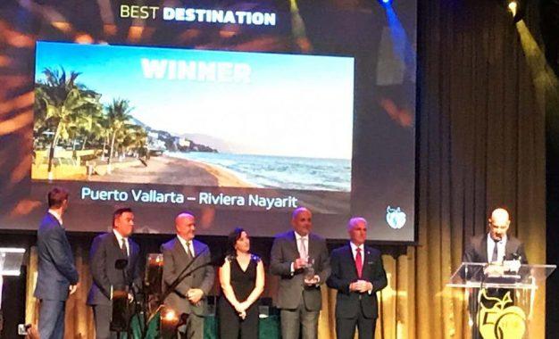 """Gana Riviera Nayarit el """"Crystal Apple Award"""" como Mejor Destino 2019"""