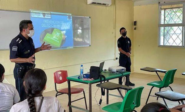 Formación en escuelas para prevenir delitos cibernéticos