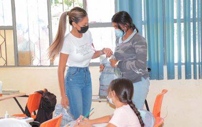 Continúa DIF con la entrega de despensas a las familias necesitadas