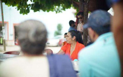 Se compromete Mirtha Villalvazo con la comunidad de Mezcalitos